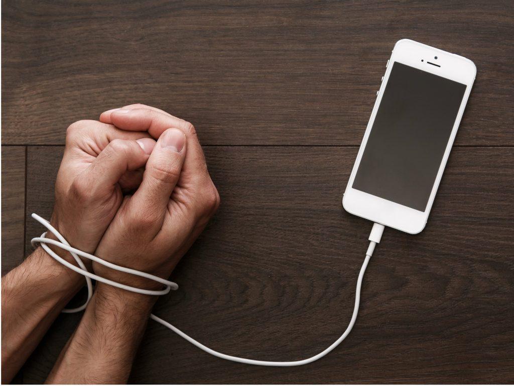 رئیس اتحادیه فروشندگان تلفن همراه: نباید توقع داشت قیمت موبایل ارزان شود